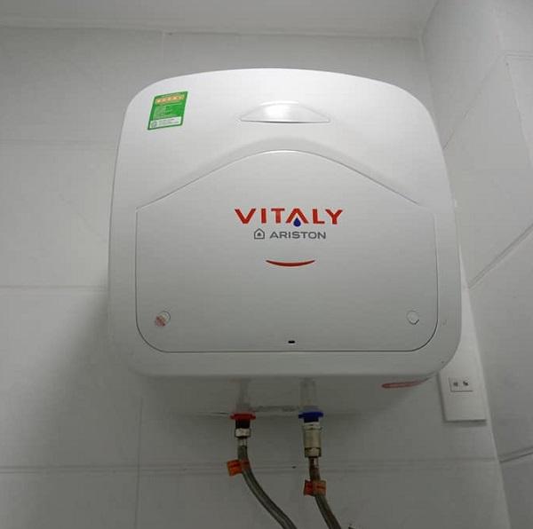 Bình nóng lạnh Ariston VITALY 15Lit
